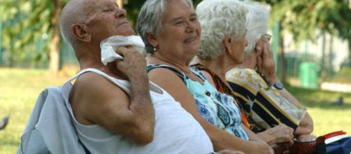 Anziani e bambini sono le categorie maggiormente a rischio a causa del gran caldo di questo inizio estate