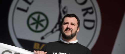 Bufera per un retweet di Matteo Salvini.