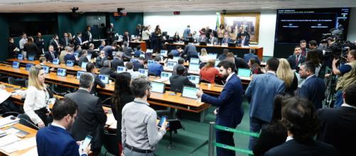 Comissão especial se reúne na Câmara para dar novo parecer sobre a reforma da Previdência. (Pablo Valadares/Câmara dos Deputados)