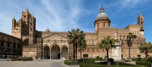 File:Panoramica Cattedrale di Palermo.jpg - Wikipedia - wikipedia.org