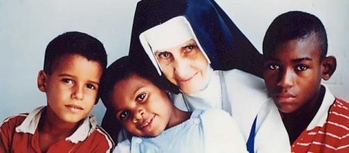 Irmã Dulce e seu acolhimento com os pobres e necessitados: canonização em outubro próximo. (Arquivo Blasting News)