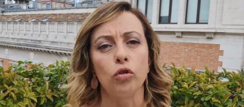 Battibecco in diretta tra Simona Malpezzi e Giorgia Meloni su La 7
