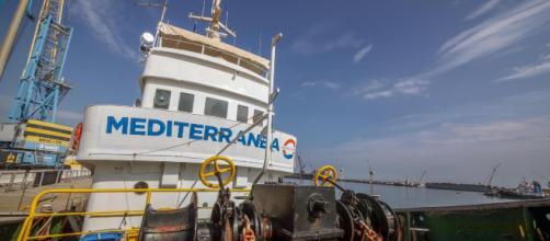 Lampedusa tra sbarchi continui e la nave di Mediterranea - Lettera43 - lettera43.it