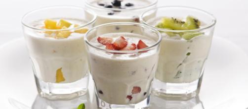 Muchas dietas incluyen el yogurt para estimular el adelgazamiento corporal. - adelgazarplus.com
