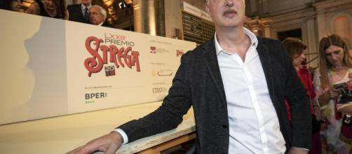 """Premio Strega: Antonio Scurati vince con """"M. Il figlio del secolo ... - mediaset.it"""