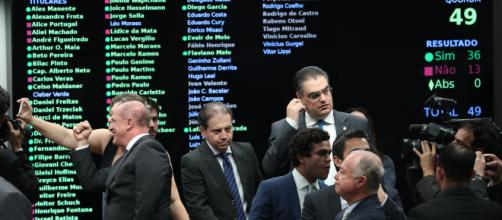 Reforma da Previdência avança na Câmara com 36 votos a favor. (Arquivo Blasting News)