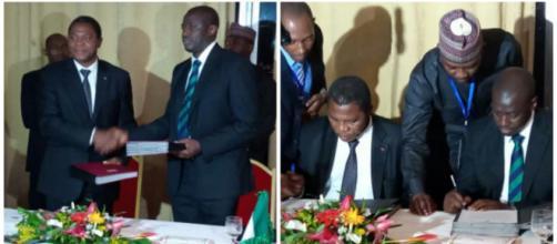Le ministre de l'Administration territoriale Paul Atanga Nji et le représentant du Nigéria © Odile Pahai