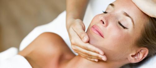 Los masajes contribuyen a mantener una buena salud. - clinicaferreira.com
