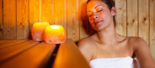 Los saunas son una excelente opción para aliviar tensiones musculares provocadas por el estrés emocional.