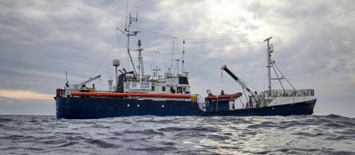 Salvini blocca le navi delle ong ma non chiede la redistribuzione ... - vita.it