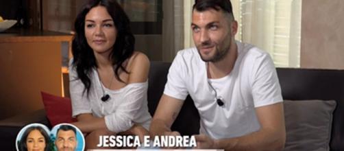 Jessica e Andrea di Temptation non hanno finto, Filippo e la Mennoia in coro: 'Chiacchiere'.