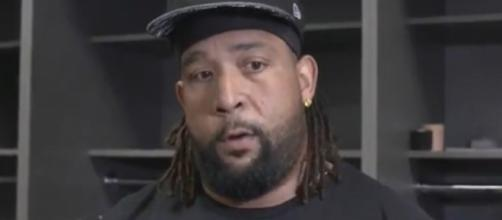 Donald Penn could help boost the Patriots offensive line. [Image Source: Raiders/YouTube]