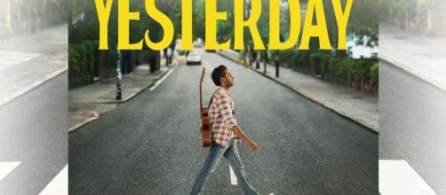 """La locandina del fim """"Yesterday"""", ispirata alla celebre copertina di """"Abbey Road"""""""