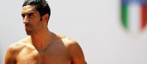 L'ex nazionale di nuoto Filippo Magnini ha salvato un bagnante che rischiava di annegare in Sardegna.
