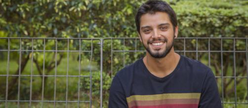 Rodrigo Simas está no ar na novela 'Órfãos da Terra'. (Arquivo Blasting News)