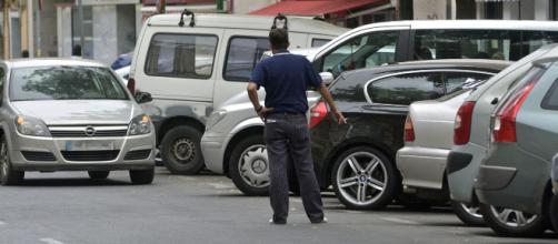 Una mujer embarazada es pateada por un gorrilla en Murcia