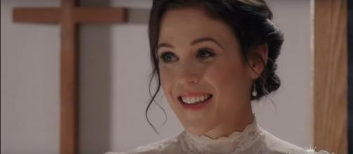"Erin Krakow and Kevin McGarry of ""When Calls the Heart"" will each star in new 2019 Christmas movies. [Image source: HallmarkChannel-YouTube]"