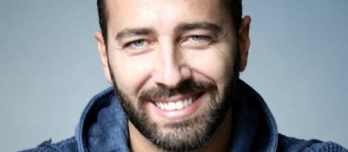 Gennaro Cuomo è Adriano Cipriani in Un Posto al Sole.