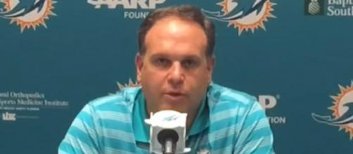 Mike Tannenbaum worked for the Jets and Dolphins. [Image Credit: Miami Herald/YouTube]