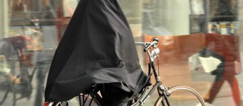Entra en vigor la prohibición del burka en Holanda