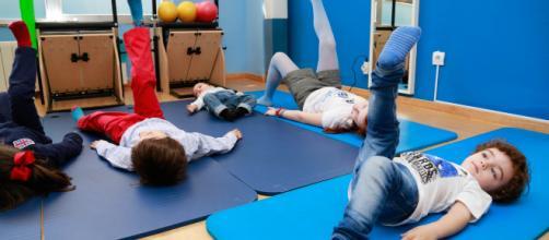 La gimnasia ayuda a los chicos en su sano desarrollo físico. - padresymadresconscientes.com