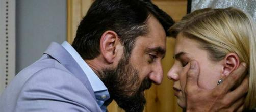 Bitter Sweet spoiler: Hakan ricatterà la moglie per l'omicidio di Tahir