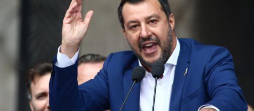 Matteo Salvini al lido di Polignano a Mare: 'Restituire la parola agli italiani'