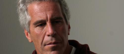 Usa, forse morto per un gesto volontario il miliardario Jeffrey Epstein: era in carcere a Manhattan per abusi su minori