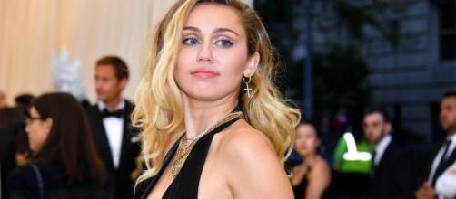 Miley Cyrus si è separata dal marito: sceglie l'Italia per le sue vacanze