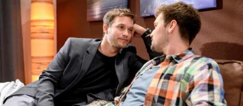 Tobias e Viktor si sposano, Alicia aspetta un bambino.
