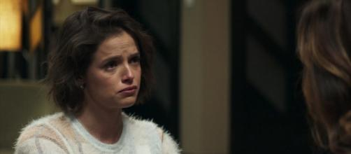 Josiane recebe visita de psicóloga. (Reprodução/ TV Globo)
