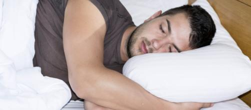 Las horas de sueño nocturno deben ser vigiladas para evitar enfermedades cardíacas. - com.ar