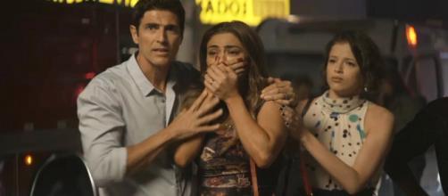 Maria da Paz entra em desespero ao ver os estragos causados pelo incêndio. (Reprodução/ TV Globo)
