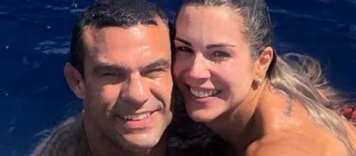 """Vitor Belfort e Joana Prado participaram da segunda edição do reality """"A Casa dos Artistas"""", em 2001. (Reprodução/Instagram/@vitorbelfort)"""