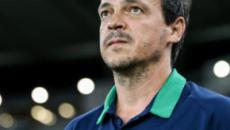 Celso Barros nega contatos com outros técnicos, mas cobra melhora de Diniz