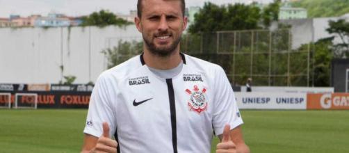 Corinthians vai economizar uma boa grana com a saída do zagueiro. (Arquivo Blasting News)