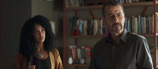 Gilda libera Amadeu para viver romance com Maria da Paz. (Reprodução/ TV Globo)