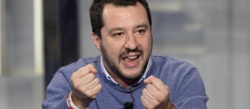 Salvini illustra la sua manovra.