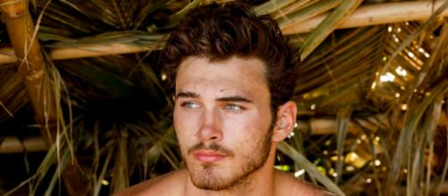 Survivor: Michael Yerger says Kellyn never asked to see his idol ... - ew.com