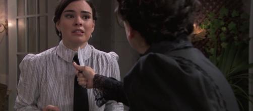 Una vita, trame dal 19 al 24 agosto: Ursula sempre più folle aggredisce Leonor.