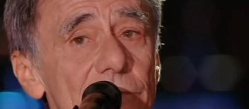 Vecchioni canta 'Bella ciao' ad Ovindoli ed il Sindaco della Lega non gradisce.