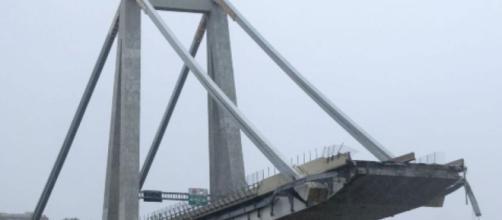 A un anno dal crollo del ponte Morandi, Genova si è fermata per commemorare le 43 vittime.