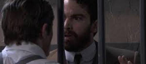 Una vita, spoiler del 15 agosto. Diego va a trovare Samuel in carcere e gli urla il suo disprezzo