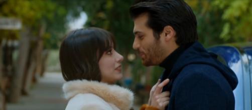 Nelle puntate successive di Bitter Sweet, i telespettatori assisteranno all'intensa passione che coinvolgerà Nazli e Ferit in un bosco.