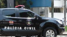 Mãe e filha são mortas e pai suspeito cai de 5º andar de prédio em Santa Catarina