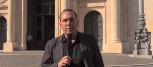 Manlio Di Stefano del Movimento Cinque Stelle attacca Salvini (Ph. Youtube)