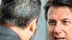 Crisi di governo: Conte prepara il discorso per il Senato, addio a Salvini più vicino