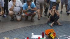 El homenaje a las víctimas del atentado de Barcelona destaca con un minuto de silencio
