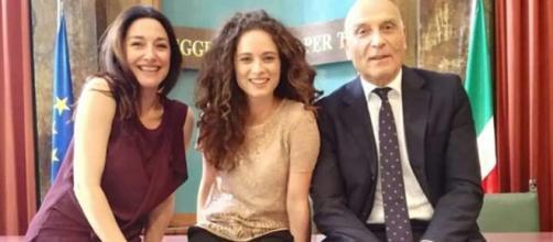 Adele (Sara Ricci), Susanna (Agnese Lorenzini) e Manlio (Paolo Maria Scalondro)