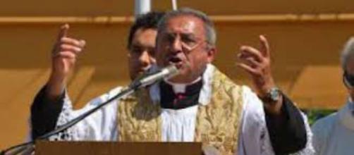 Sora: il parroco anti-migranti crea polemiche